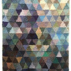 Hohde-ryijy, Pentagon Design Floor Cloth, Floor Rugs, Pentagon Design, Rug Hooking, Locker Hooking, Rya Rug, Textiles, Yarn Bombing, Tapestry Weaving