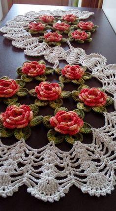 set of 4 pieces for bathroom wool hook handmade carpet decoration Crochet Bedspread Pattern, Crochet Flower Patterns, Crochet Motif, Crochet Doilies, Crochet Flowers, Knit Crochet, Crochet Vintage, Crochet Table Runner, Crochet Decoration