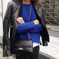 chanel handbags buy it now Chanel Outfit, 2.55 Chanel, Mode Chanel, Chanel Purse, Chanel Black, Chanel Street Style, Chanel Handbags 2017, Chanel Reissue, Girls Bags