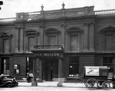 Leeds City Museum, Park Row. Opened in 1821, the museum was severely bomb damaged in WWII, and eventually demolished.