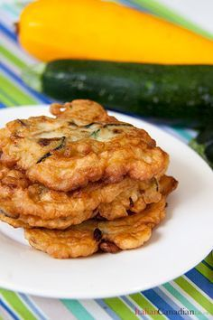 Great Italian recipe for Pitticelle Cucuzze (Zucchini Fritters). A favourite from www.anitaliancana… The post Italian recipe for Pitticelle Cucuzze (Zucchini Fritters). A favourite from w . Wrap Recipes, Vegetable Recipes, Cucuzza Recipe, Sicilian Recipes, Sicilian Food, Zucchini Fritters, Mets, Italian Dishes, Appetisers