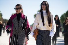Paris Fashion Week's street style trends: the detail -  Super-long sleeves