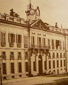 Antiguo reloj de la puerta del Sol