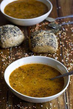 Sopa turca de lentejas Bean And Vegetable Soup, Vegetable Soup Recipes, Vegetarian Recipes, Healthy Recipes, Veggie Food, Chowder Soup, Chowder Recipes, Vegan Miso Soup, Soup With Ground Beef