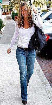 Jennifer Aniston Jennifer Aniston ,Damen mode Goddess and Babydoll out in public. Jeniffer Aniston, Jennifer Aniston Pictures, Jennifer Aniston Style, Jennifer Lopez, Estilo Rachel Green, Look Fashion, Fashion Outfits, Fashion Trends, Look Jean