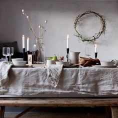 Win a natural linen tablecloth and napkins! (my scandinavian home) Win a natural linen tablecloth an Picnic Decorations, Decoration Table, Country Look, French Country, Fall Table Settings, Autumn Table, Danish Style, Linen Tablecloth, Linen Napkins