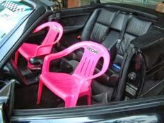 You probably never considered this before, but you have to be in awe of redneck engineering. Here is a special selection of the most funny and crazy examples of redneck engineering. Paris Hilton, Free Funny Pictures, Funny Images, Funny Photos, Car Pictures, Plastic Garden Chairs, Funny Websites, Funny Videos, Car Fails