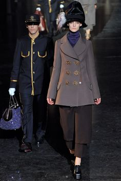Louis Vuitton - Fall 2012 Ready-to-Wear