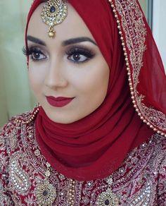 wedding makeup hijab Inspiring Wedding Make Up Ideas with Arabic Style - Zine 365 Bridal Hijab Styles, Hijab Wedding Dresses, Hijab Bride, Bridal Dresses, Bridal Outfits, Hijabs, Bridal Makeup, Wedding Makeup, Hijab Gown