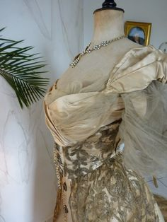 Charles Frederick Worth, House Of Worth, Costumes Couture, Famous Shop, Old Dresses, Corset, Evening Dresses, Vintage Fashion, Lingerie