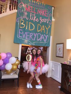 Katy Perry Bid Day Sorority Bid Day, Sorority Crafts, Sorority And Fraternity, Sorority Life, Sorority Sugar, Alpha Omicron Pi, Alpha Xi Delta, Delta Gamma, Sigma Kappa