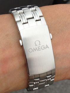 Initial impression on the new Omega SMP ceramic blue bond Omega Seamaster Professional, Bracelet Watch, Initials, Ceramics, Watches, Bond, Accessories, Clock, Ceramica