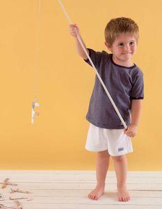 Camiseta marinera y pantaloneta niño
