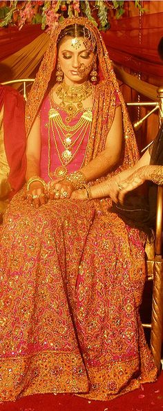 cute | Flickr - Photo Sharing!      Gorgeous!     Aline for Indian weddings