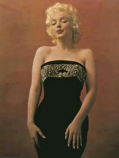 Marilyn. Photo by Hal Berg, 1955.