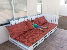 DIY pallet lounge outdoor furniture