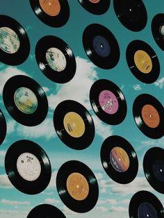 Hippie Wallpaper, Retro Wallpaper, Aesthetic Iphone Wallpaper, Aesthetic Wallpapers, Bedroom Wall Collage, Photo Wall Collage, Picture Wall, Aesthetic Indie, Aesthetic Collage