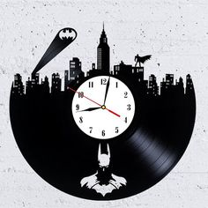 Batman is one of the most extraordinary characters, who is adored by millions. Lovers of comics of Batman will enjoy the wall clock made from vinyl records with this superhero