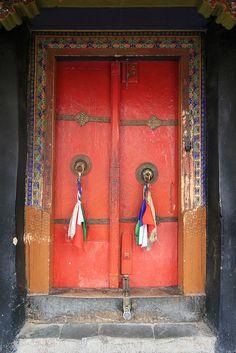 Door ~ Ladakh, India  http://www.thrillophilia.com/ladakh.php