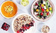 Vyvážený a pestrý jídelníček. To je oblíbený pojem výživových poradců. Co se pod ním skrývá a jaká jídla vybrat? Připravili jsme pro vás menu na celý den a jednotlivé snídaně, obědy i večeře můžete libovolně kombinovat. Inspirujte se zdravými recepty, které si oblíbíte vy i celá rodina! #dietnijidelnicek #zdravyjidelnicek #zdraverecepty #lehkerecepty #rychlerecepty #dieta #zdravi #cojistvdiete 16 8 Diet, Healthy Meal Prep, Healthy Recipes, Nordic Diet, Diet Books, Diet Breakfast, Plant Based Diet, Love Food, Lose Weight