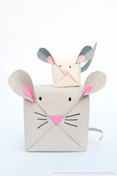 Such a sweet idea! DIY Mouse Gift Wrap We don't NEED to buy presents when we can make them right? And what would make these homemade gifts even better? Some cute wrapping paper that looks like a mouse right?! How…