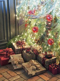 Take inspiration from a happy and spirited mix of decked halls, lush garlands and, of course, trees and trimmings galore.