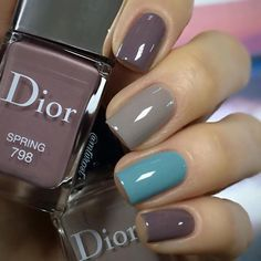 Want some ideas for wedding nail polish designs? This article is a collection of our favorite nail polish designs for your special day. Dior Nails, Nails Polish, Gel Nails, Shellac, Stylish Nails, Trendy Nails, Fancy Nails, Cute Nails, Nail Polish Designs