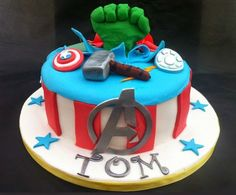 50 Best Avengers Birthday Cakes Ideas And Designs Avengers Birthday Cakes, Themed Birthday Cakes, Superhero Birthday Party, Birthday Cake Toppers, Superman Party, Birthday Cake Pictures, Birthday Ideas, 3rd Birthday, Birthday Wishes