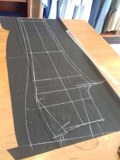 Princess cut Blouse Measurement/Drafting/Pattern/Layout/Cutting/Stitching part - Best Sewing Tips African Dresses Men, African Clothing For Men, African Men Fashion, Tailoring Techniques, Sewing Techniques, Sewing Jeans, Sewing Clothes, Dress Sewing Patterns, Clothing Patterns