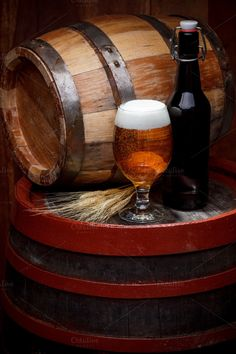 Nice wooden barrel keg with a glass of beer! Buy Beer, Beer Keg, Coffee With Alcohol, Beer Store, Beer Photos, Oktoberfest Beer, Drink Photo, Brewing Equipment, Still Life
