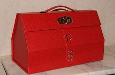 RECREATIONS: Ma valise en carton ...