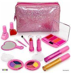 Little Girl Makeup Kit, Makeup Kit For Kids, Kids Makeup, Makeup Ideas, Make Up Kits, Best Toddler Gifts, Toddler Girl Gifts, Toys For Girls, Gifts For Girls