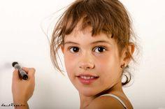 Zaira - http://luisreyero.com/?p=12295 Zaira, con ella no te puedes despistar ni un segundo, pues a cada instante te da una fantástica fotografía…