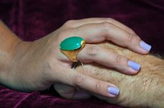Anel banhado a ouro 18 com belissimo quartzo verde.  R$172,50.  Ring gold plated with 18Kl, belissimo green quartz.  Compre agora/Buy now http://www.dedepuroluxo.com.br