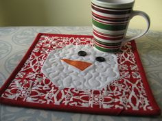 Add little winter fun to your table with this Snowman Mug Rug Tutorial. Quick to make and a great for fabric scraps, it would be nice to brighten a friend's cold morning!