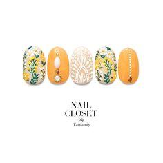 acrylic nail art new years Nailart Diy Nails, Cute Nails, Pretty Nails, Beauty Nail, Yellow Nail Art, Nail Red, Japanese Nail Art, Nails 2018, Manicure Y Pedicure