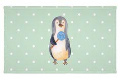 Gäste Handtuch Pinguin Lolli aus Kunstfaser  Natur - Das Original von Mr. & Mrs. Panda.  Das wunderschöne Gästehandtuch von Mr. & Mrs. Panda wird liebevoll von uns bedruckt und hat die Größe 30x50 cm.    Über unser Motiv Pinguin Lolli      Verwendete Materialien  Die verwendete sehr hochwertige Kunstfaser ist langlebig, strapazierfähig und abwaschbar und wird von uns per Hand bedruckt. Es handelt sich um ein besonders schönes und leichtes Material, welches sich edel und langlebig anfühlt…