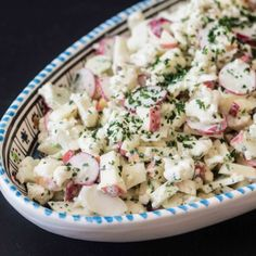 Blomkålssalat med æble og radiser Easy Salad Recipes, Easy Salads, Great Recipes, Vegetarian Recipes, Healthy Recipes, Salad Menu, Salad Dishes, Crab Stuffed Avocado, Cottage Cheese Salad