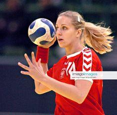 Karolina Siodmiak - Fotos | imago images Sports, Image, Tops, Fashion, Pictures, Hs Sports, Moda, Fashion Styles, Sport
