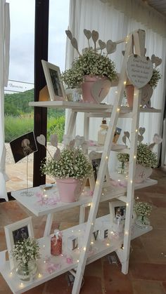 Wooden stairs with decorative photos and flowers You are in the right place about decoration party H Ladder Decor, Decoration Photo, Flowers Decoration, Staircase Decoration, Wooden Staircases, Wooden Stairs, Bridal Shower, Baby Shower, Diy Décoration