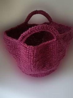 borsa coffa a uncinetto Etsy Handmade, Handmade Gifts, Wicker Baskets, Straw Bag, Jute, Kid Craft Gifts, Craft Gifts, Homemade Gifts, Hand Made Gifts