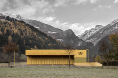 Pedevilla - Fire station, Sand in Taufers 2016. The firm to use for pigmented concrete fire stations. Via, photos © Gustav Willeit.  [[MORE]]