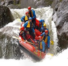 Whitewater Rafting Level 5 rapids! WOW