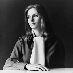 April 17, 1998 - Linda McCartney died after a long battle against cancer. Married Paul McCartney in 1969 when she was working as a photographer. As well as a being a member of Wings, she became an animal rights campaigner and launched her own brand of vegetarian food.