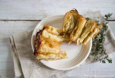 """""""French Onion Soup"""" Bread Rolls (caramelized onions and gruyere rolls) 
