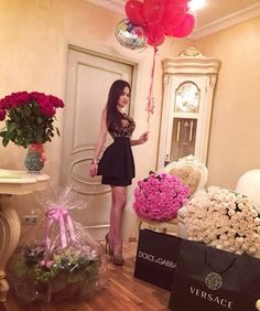 Valentines from husband? Birthday Goals, Girl Birthday, Happy Birthday, Valentine Day Love, Valentines, Thing 1, Luxe Life, Rose Bouquet, Pretty Flowers