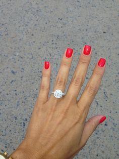 Round halo engagement ring #weddingring
