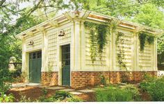 carriage house with trellis