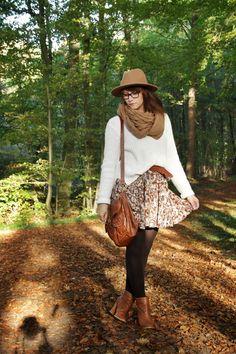 http://partyelli.blogspot.de/2014/11/55-outfit-1-kleid-5-ways-to-wear.html