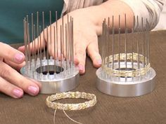 awesome DIY Bijoux - Bangle Weaver Tool from Beadalon Mini Tutorial Video with Cheri Carlson. These r...